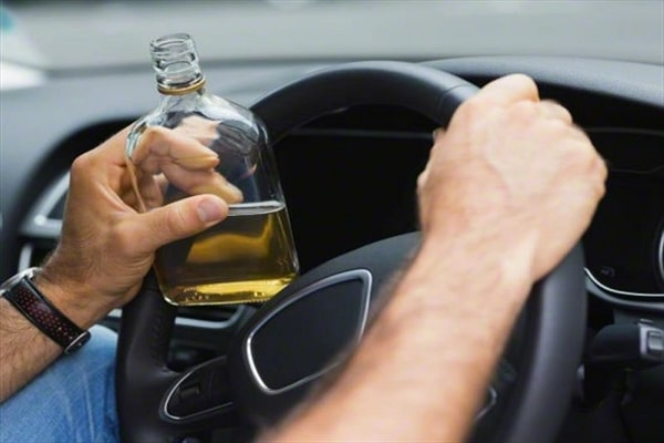Conduccion de un transporte cuando se ha ingerido drogas o alcohol