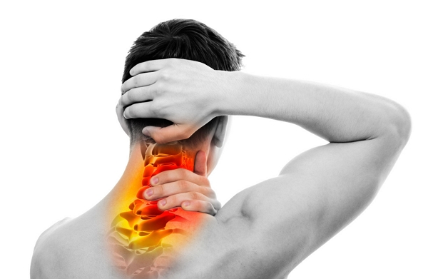 Síntomas producidos por un esguince o latigazo cervical causado en un accidente